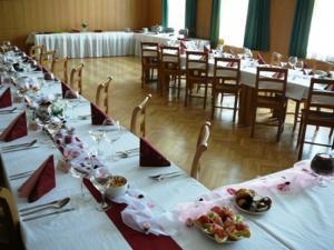 Restaurace U Medvěda Stárkov *** -