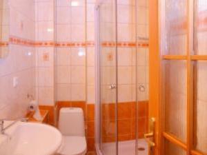 Chalupa Zuzana - Samostatná kúpeľna pre 3 lôžkovú izbu
