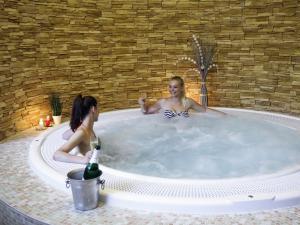 Thermalpark Nitrava - Hotelové wellness - jacuzzi