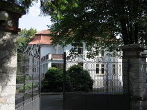 Vila Olga - vstupní brána Vily Olgy