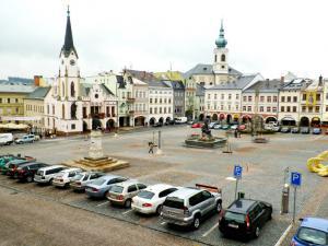 GL Hotel Trutnov - Výhled na náměstí s VIP pokojů