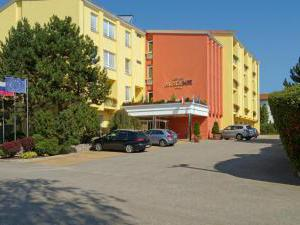 HOTEL AKADEMIE - HOTEL AKADEMIE Velké Bílovice