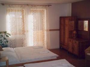 Pension Siesta - ubytování Želnava na Šumavě, nedaleko Horní Plané a Nové Pece kousek od Lipna je Pension Siesta