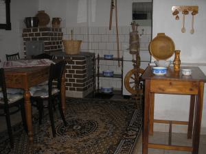 DREVENICA   U  GLOSA   - Drevenica u Glosa liptovská Kokava, slovenská izba v suteréne