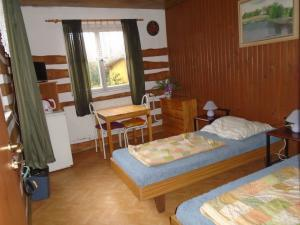 Autokemp - ubytovna SK Mšeno - dvoulůžkový apartmán
