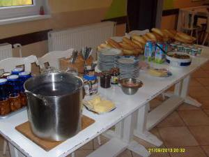 Autokemp - ubytovna SK Mšeno - snídaně pro ubytované děti