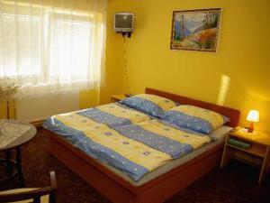 Ubytování v aleji Valtice - Ubytování v penzionu v áleji, Valtice