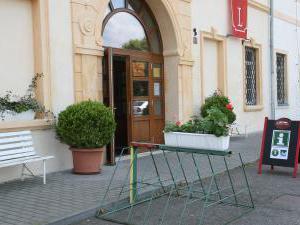 Hotel Týnec - Vstupní portál Hotelu Týnec