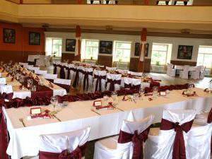 Hotel Týnec - Svatební tabule na sále