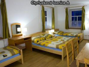 Apartmány Na Zlaté stezce *** (NP Šumava - Stožec - České Žleby) - Čtyřlůžková ložnice A