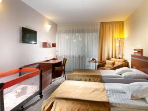 Volareza - hotel Vranov nad Dyjí - dvoulůžkový pokoj s postýlkou