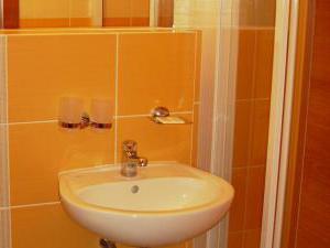 Volareza - hotel Vranov nad Dyjí - WC+sprcha