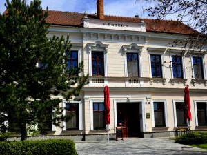 Hotel Drnholec