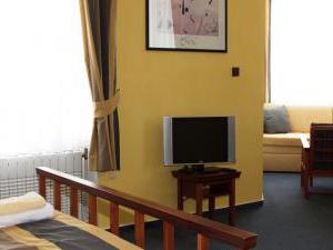Hotel Nobys -