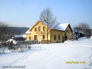 Chalupa pod Melechovem - Zahrada v zimě