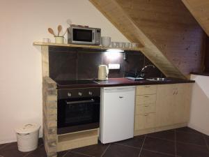Podbrdovka - Chalupa Podbrdovka kuchyňka v apartmánu
