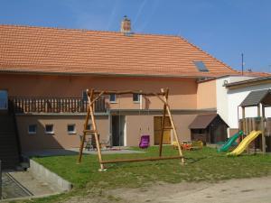 Moravský statek Strachotín - Dětské hřiště