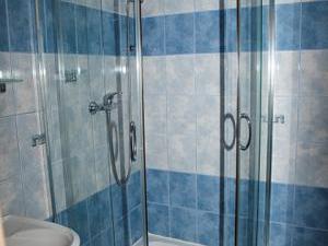 Apartmány Doksy - Apartmán 4 lůžka - sprchový kout