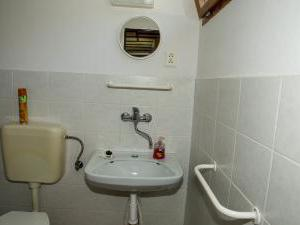 Apartmány Doksy - Chatka 3 lůžka - koupelna