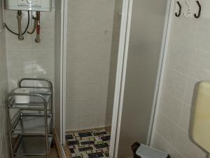 Apartmány Doksy - Chatka 3 lůžka - sprchový kout