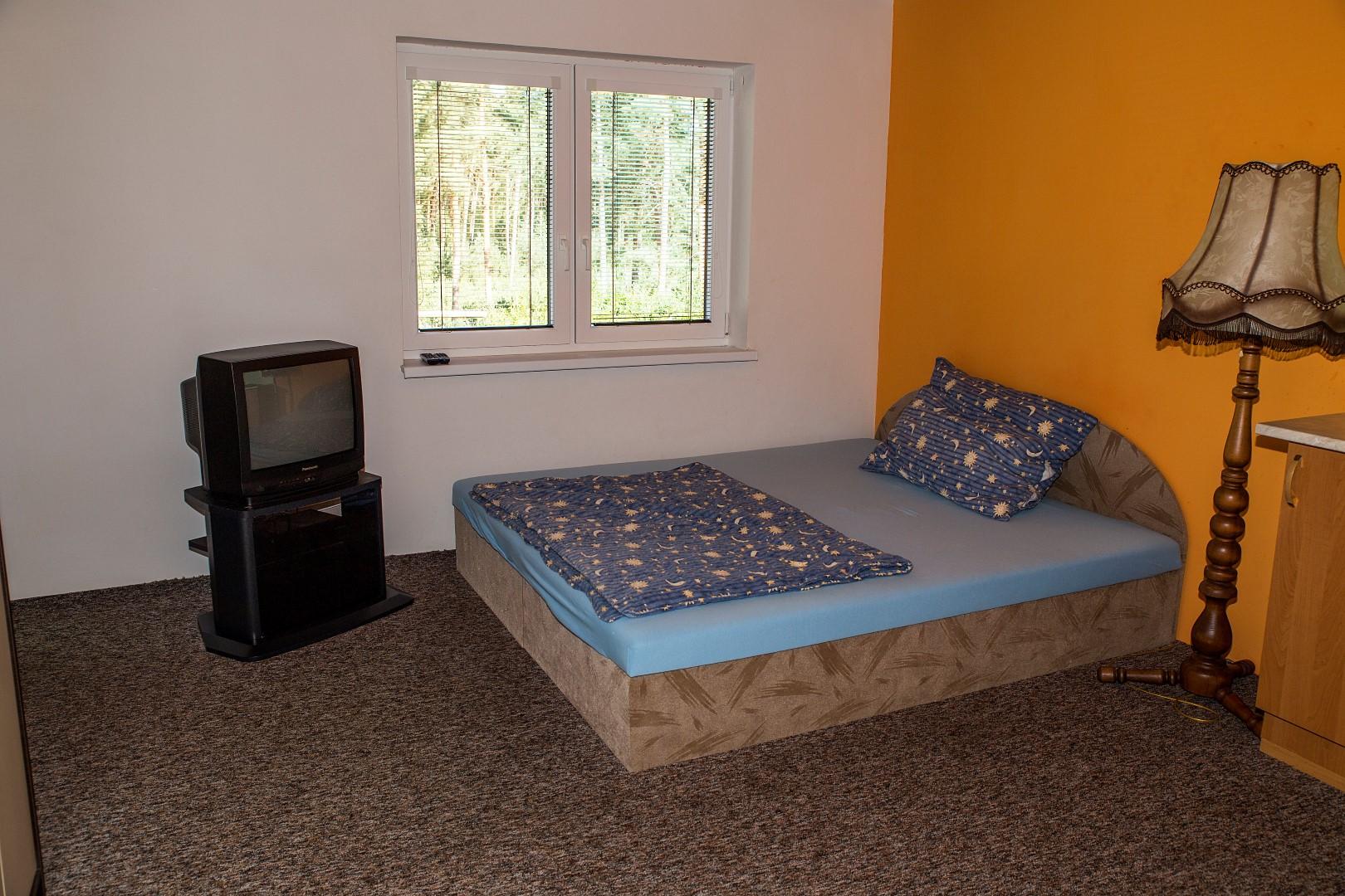 Apartmán 2 lůžka (patro) - postel + TV