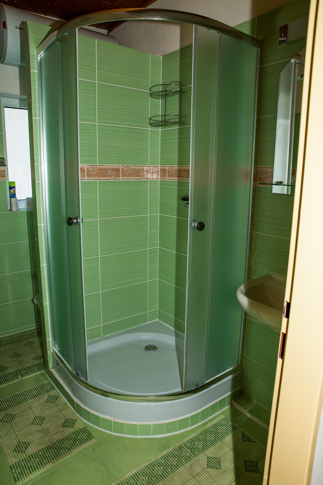 Apartmán 2 lůžka (patro) - sprchový kout