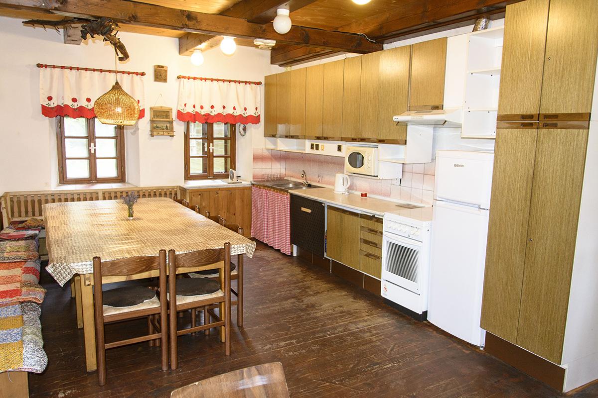 Chalupa Na Paloučku ubytování v Orlickém Záhoří - kuchyň 1
