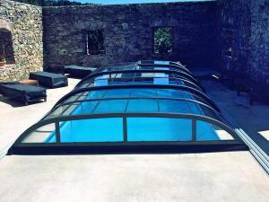 Chalupa Tři studánky - Zastřešený vyhřívaný venkovní bazén.