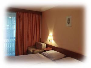 Hotel PROM - dvoulůžkový pokoj - hlavní budova