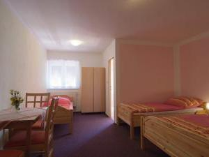 Penzion a chatky U Přehrady - pokoj č.3 pro 4 osoby