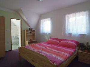 Penzion a chatky U Přehrady - pokoj č.4 pro 2 osoby