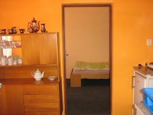 Ubytovna pro dělníky i turisty - třílůžkový pokoj s kuchyňkou a koupelnou