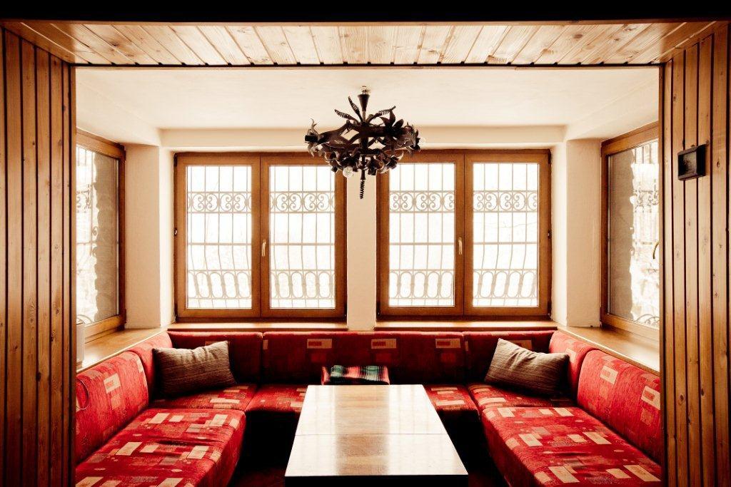 Horská chata Kouty - obývací pokoj