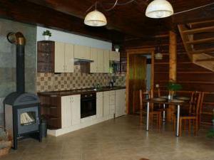 Roubenky Zlaté Hory - Horní Údolí - kuchyňský a jídelní kout
