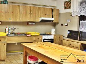 Turistická chata Duha - kuchyň v hlavní budově