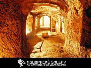 Penzion restaurace Novopacké sklepy - jeskyně v restauraci