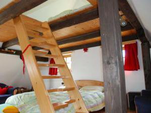 Pohádková chaloupka u Adršpachu a Ratibořického údolí - Výstup v ložnicic do zvýšeného patra