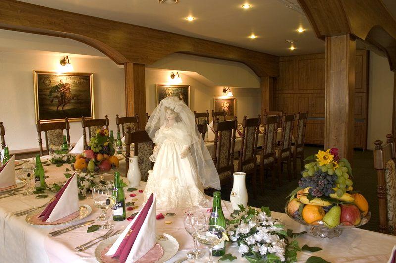 Svatba ve Velkem salonku