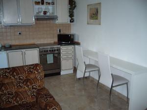 Apartmán Modré z nebe - Jídelní stolek v kuchyni