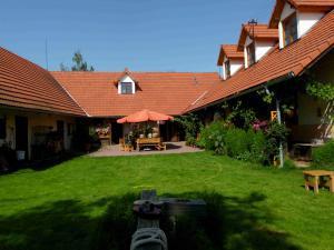 Penzion Farma Zahradnice - ubytování na Farmněa Zahradnice  v okresu Benešov