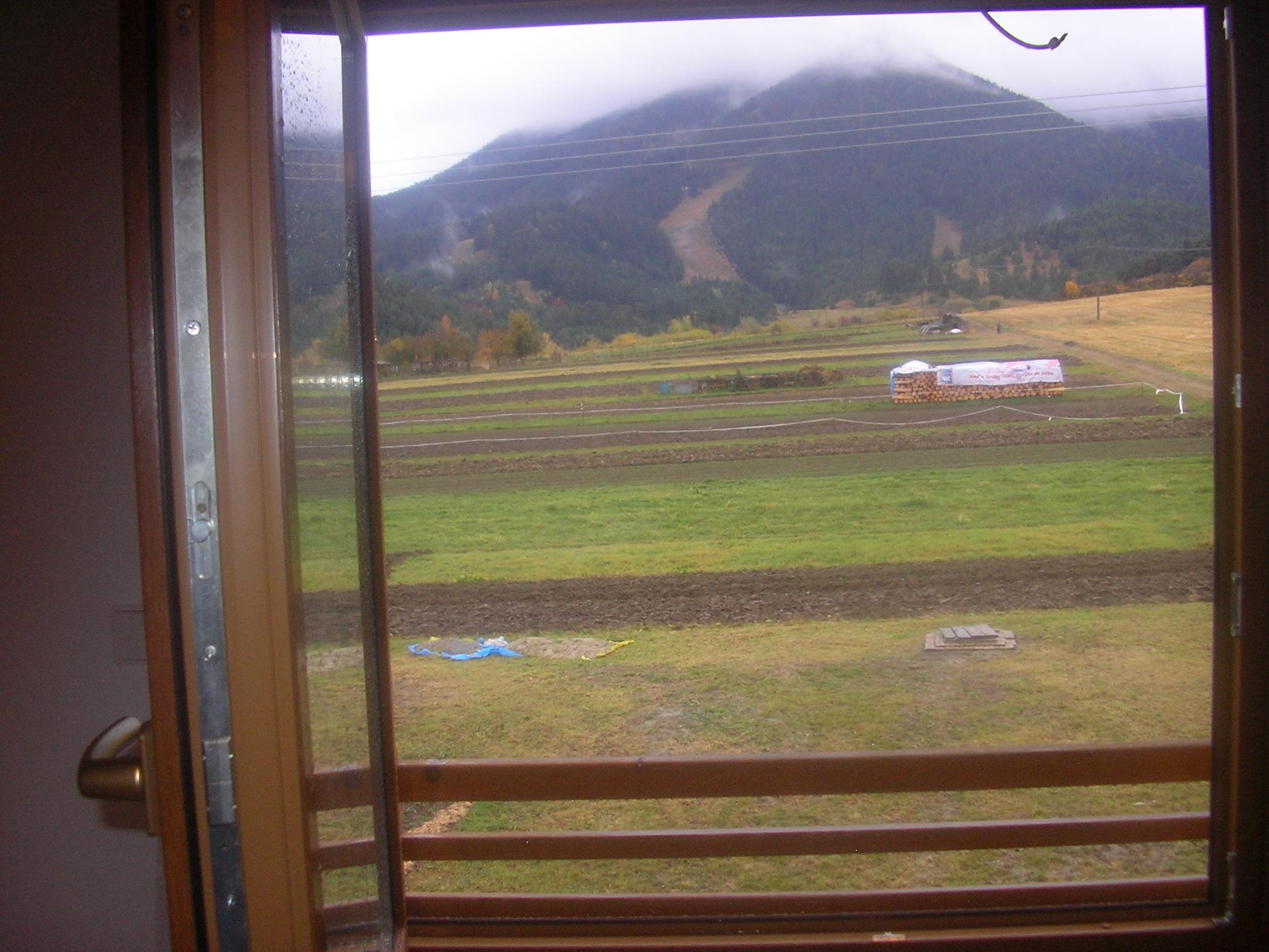 výhľad z okna apartmánu