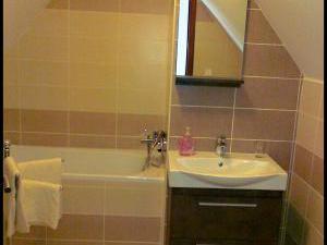 Ubytování André-apartmány Valtice - Koupelna s vanou