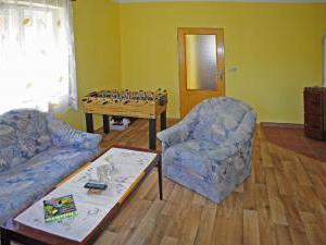 Chalupa - Velký Vřešťov - obývací pokoj již s krbovými kamny