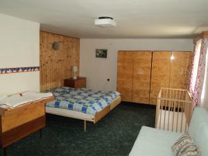 Chaloupka Rudná - potůčková - ložnice 1