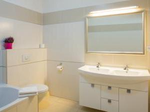 Penzion Volařík - koupelna 4lůžkový pokoj