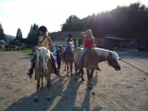 Chalupa Rajnochovice - projížďky na koních