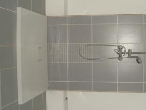 GORALSKÝ DVOR - Interiér - II.NP, kúpeľňa s WC (2)