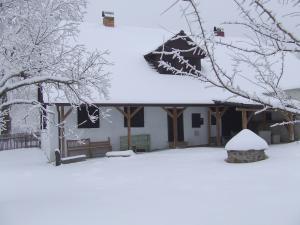 Chalupa Pod Rozhlednou - chalupa u Rozhledny v zimě