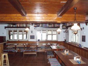 Chata Orlík - restaurace