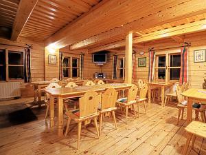Zážitkový penzión Jánošíkov dvor - reštaurácia Jánošíkova haluškáreň